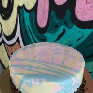 Pastel Mango Cake