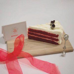 Red Velvet Cheesecake (sliced cake)